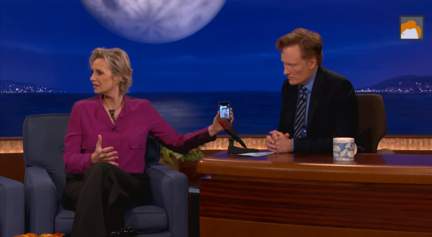 Jane Lynch med Siri och Conan O'Brien