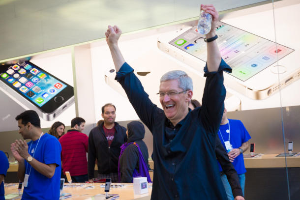 Tim Cook Palo Alto Apple Store