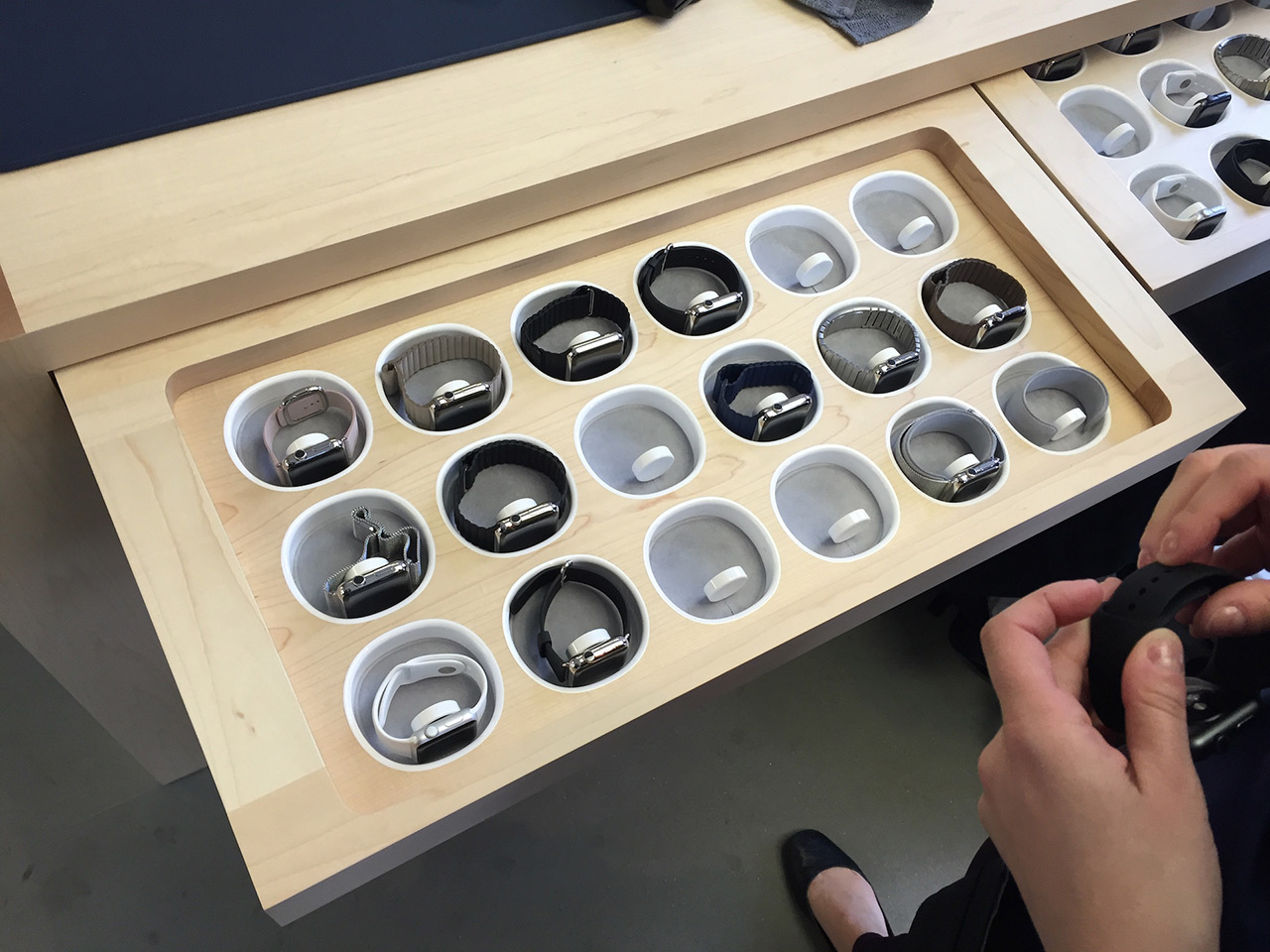apple-watch-tray