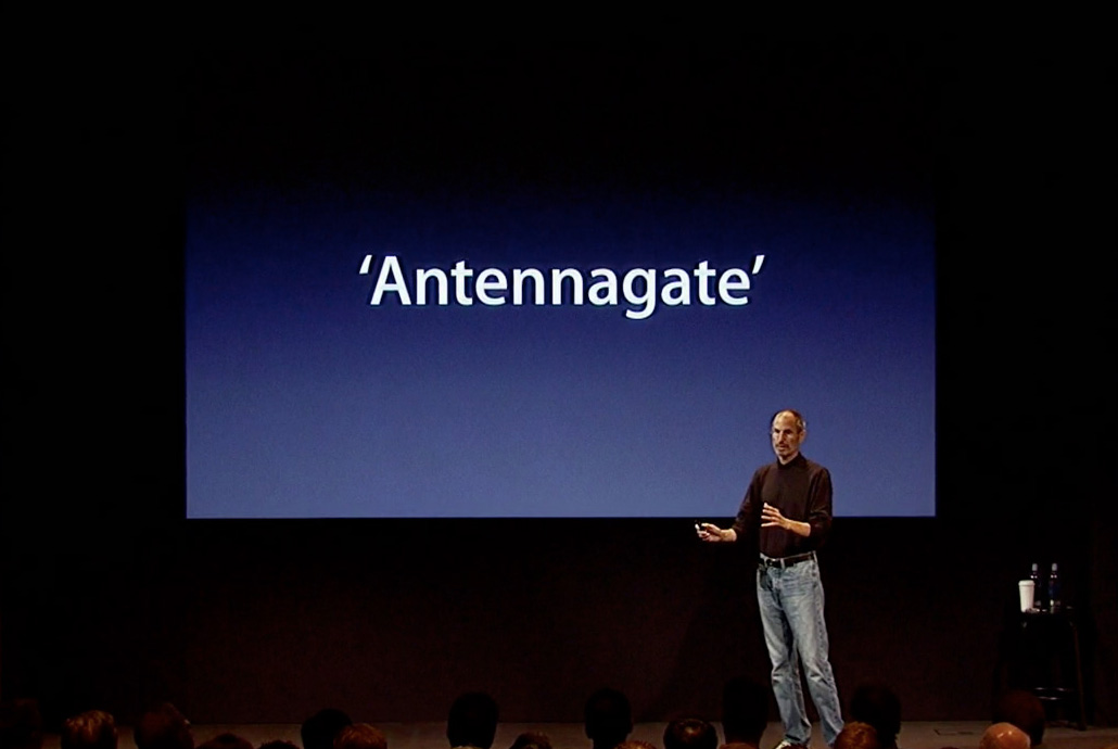 Steve Jobs Antennagate